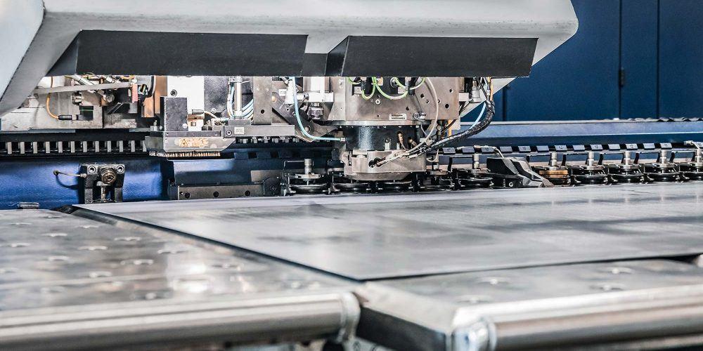 Laserschneiden für Maschineneinhausungen